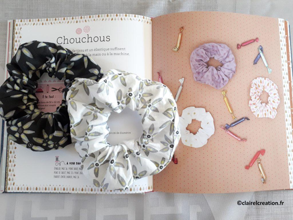 """Voilà comment j'ai cousu deux jolis chouchous en m'aidant du livre """"Mes premiers ateliers de couture"""""""