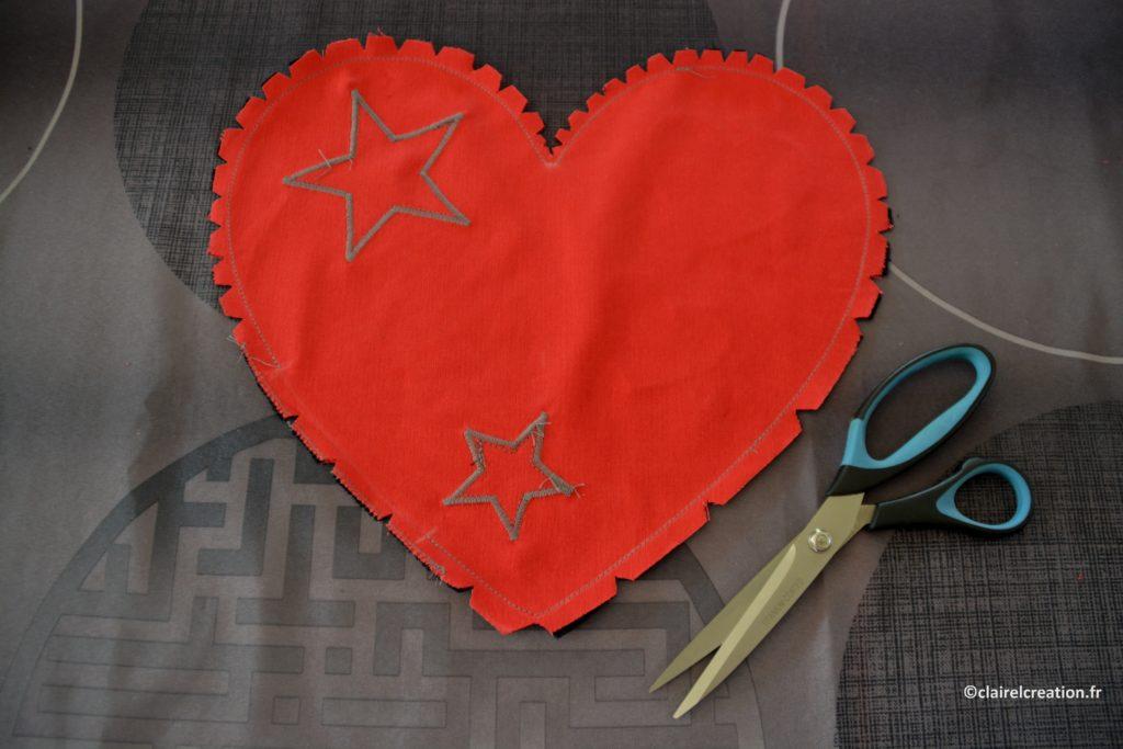 Assemblage du coeur cranté (coupe au ciseau en faisant attention à la première couture)
