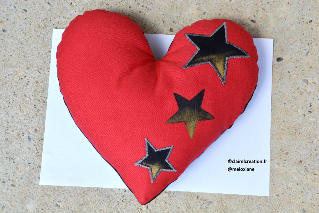 Coudre un coeur plus grand qu'une feuille A4, avec un gabarit imprimé sur une feuille A4 !