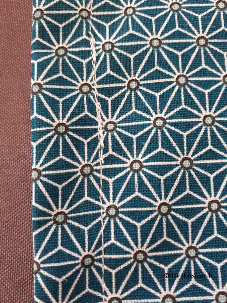 Couvercle en tissu : deuxième ligne de couture au point droit terminée (tour complet à 1,5 cm du bord)
