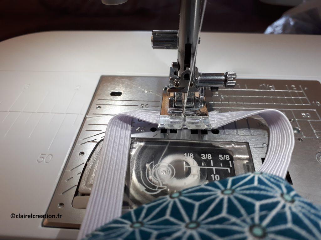 Couvercle en tissu : faire chevaucher les deux extrémités sur 1 ou 2 cm, puis assembler au point droit, à la main ou à la machine